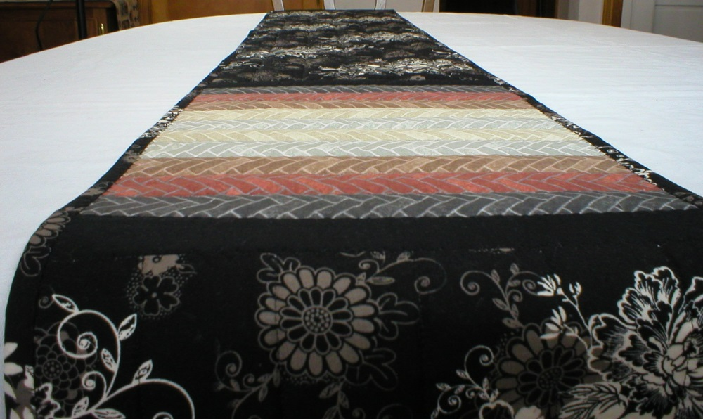 Table runner 116 inches long for 12 ft table runner