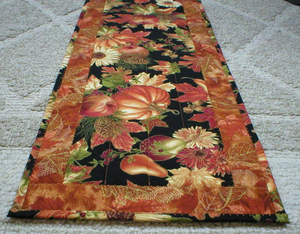Superb Fall Harvest Table Runner (6030)
