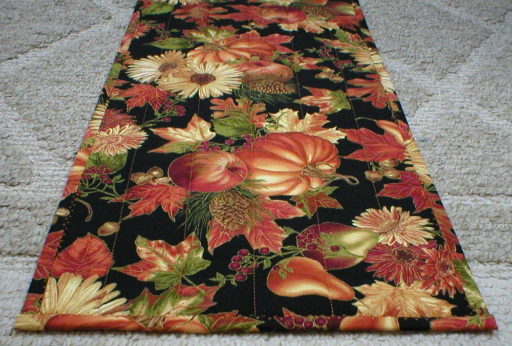Good Fall Harvest Table Runner 6047