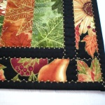 Corner of Table Runner 31-40-5590