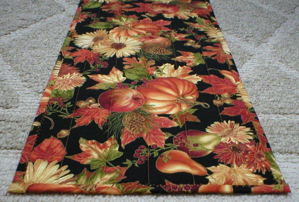 Captivating Fall Harvest Table Runner 6047