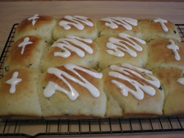 Hot Cross Buns (Bakery Recipe)