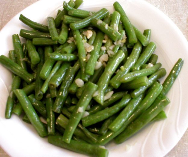 Green Beans with Garlic and Lemon