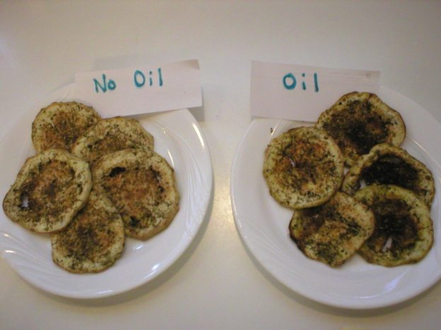 Oil vs No Oil Roasted Eggplant Slices