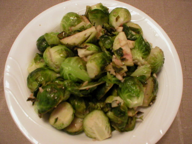 Easy Brussels Sprouts with Garlic and Lemon